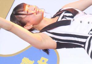 激しいダンスでかいたワキ汗で湿ったワキの下を丸出しにするアイドルグループMPF☆B/エムピーエフ・ビー