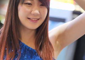 きれいなツルワキを自慢するかのごとく見せまくってくれるキャンギャル 東京オートサロン2020