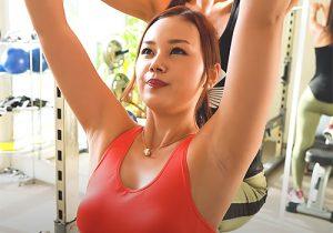 美人女子空手家がトレーニング動画でワキの下ずっと見せっぱなし!