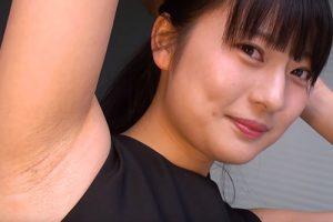 素人女子がワキの下を見せてくれたのはいいけどちょろっと脇毛生えてた